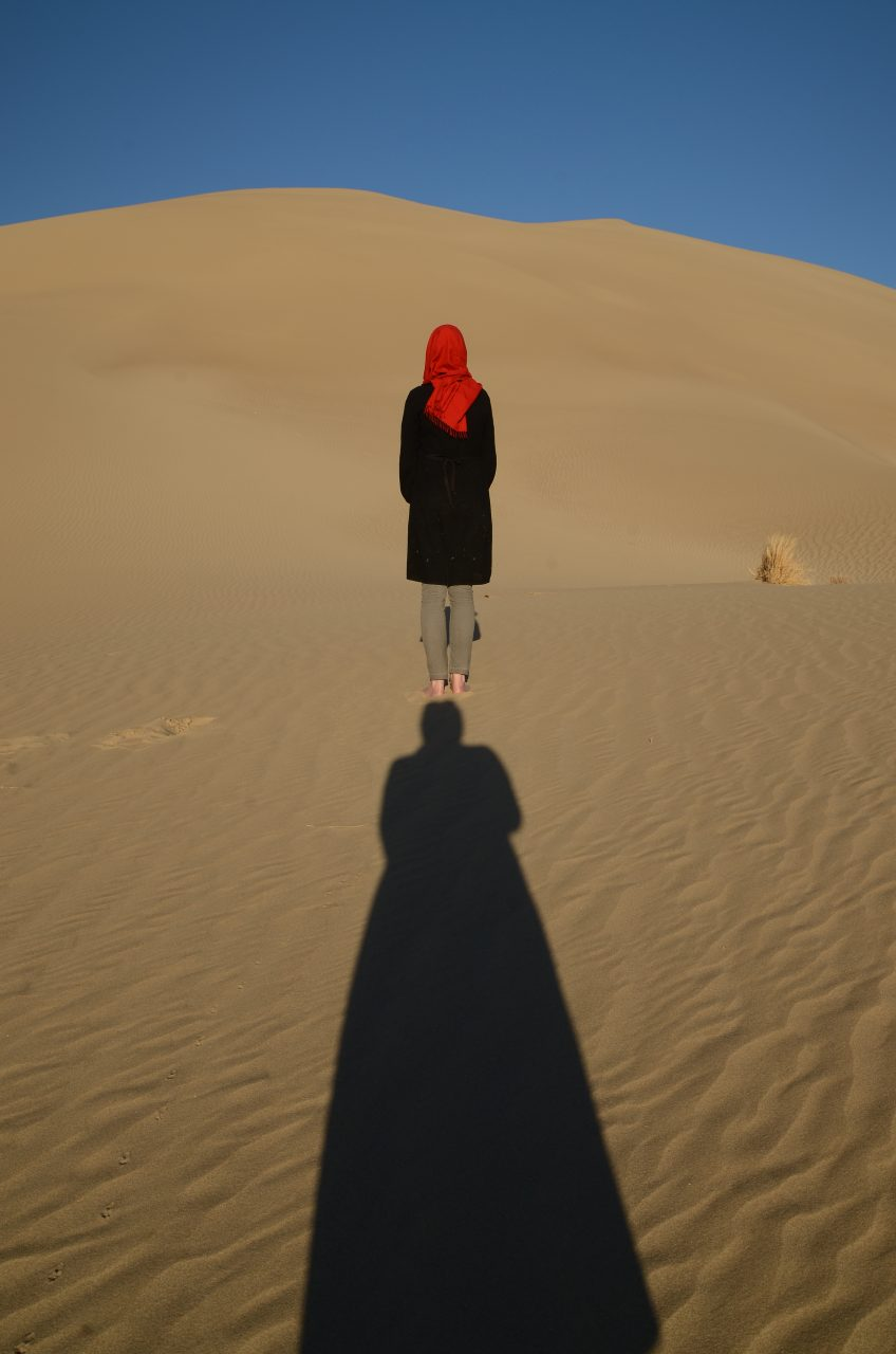 1-1-Standing on shadow-TaraGoudarzi-KarinvanderMolen-collaboration-Khara-desert-2016