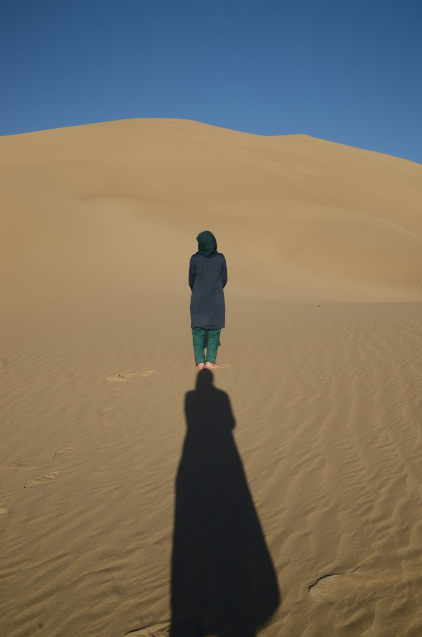 1-2-Standing on shadow-TaraGoudarzi-KarinvanderMolen-collaboration-Khara-desert-2016